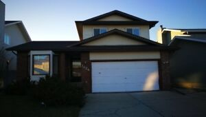 3+2 Bedroom House For Rent in south Edmonton.