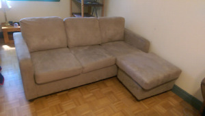 Sectional sofa with hide a bed, divan lit sectionnel.