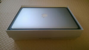 Macbook air 13 model 2015 (bought May2016)excellent condition