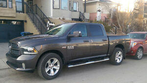 2014 Dodge Ram 1500 Sport, Fully loaded, NEW Winters on Rims