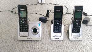 3 handset Vtech cordless phone with digital answering  system