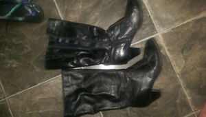 2 pairs of womens shoes size 9