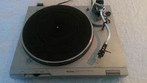 TABLE TOURNANTE TECHNICS SL-D2