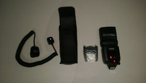 Canon Speedlite 580EXII Flash with corded extension 10/10 new