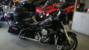 2014 Harley Ultra Limited with pipes , bars, chrome nav. +more .