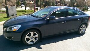 2012 Volvo S60 T5 level 2 Bleu 64000 Km