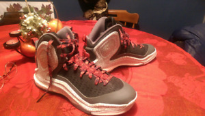 Authentic D Rose sneakers size US 11.5