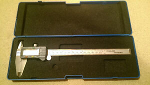 Electronic Digital Caliper, 8 In/200mm (by WESTWARD)
