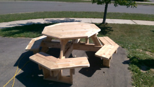 Octagon/octagonal picnic table