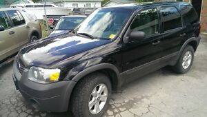 2005 FORD ESCAPE 4X4