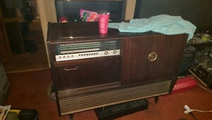Grundig Antique stereo with bar