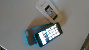 IPHONE 5 C 16GB BELL IN EXCELLENT SHAPE