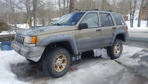 For parts only 1996 Jeep Cherokee