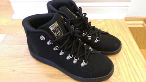 NWT adidas Stan Smith Winter Shoes (Black, size 7US)