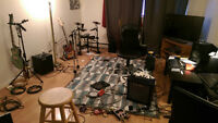 Musician Looking for room or roommate for end of July