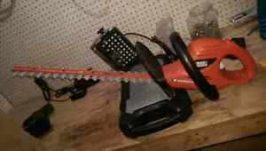 """Black and Decker 20"""" Hedge Trimmer"""