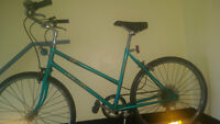 """Supercycle Commuter 6Speed Ladies 26"""" Wheels -OBO"""