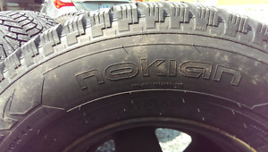 Nokian studded winter tires jeep tj xj yj 235/75/r15