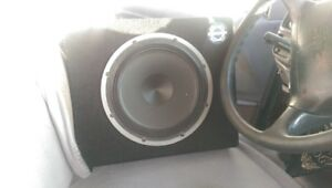 10 inch subwoofer in box great condition