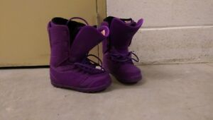 Woman's 32 lash size 9 snowboard boots