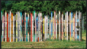 Wanted: old skis you can't ski on anymore for a ski fence