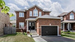 3-Bedroom 2-Bathroom Detached House in South Barrie