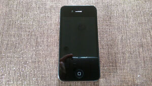 REDUCED! Selling an iPhone 4 - 32GB (Black)