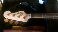Squire pbass with hardcase