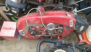 """Excellent Shape 38"""" TORO yard tractor cutting bed"""