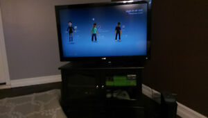 42 inch sanyo with xbox and 18 games
