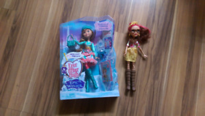 Two Ever After High dolls