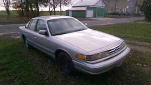 96 Ford Crown Vic SERIOUS INQUIRIES ONLY London Ontario image 1