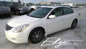 2012 Nissan Altima 2.5 S **Sunroof/Heated Seats/NO accidents**