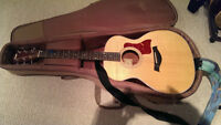 Taylor 214e in Perfect Condition with Gig Bag