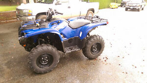 Mint barely used 2011 Yamaha Grizzly 700