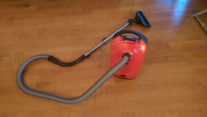 Miele S2 Contour - Top German Vacuum Cleaner
