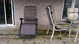 Patio Set - 1 table with 4 chairs, 1 recliner, 2 rotating chairs Kitchener / Waterloo Kitchener Area image 3
