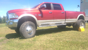 Dodge Ram lifted 4x4
