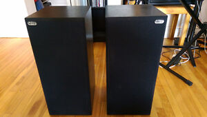 Paisley Research Reference 2 bookshelf speakers