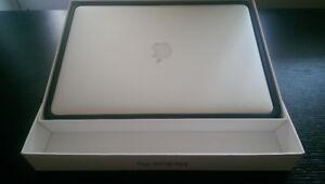 Macbook 15 inch Mid 2015/core i7/16gb/512gb/warranty/cycles = 3