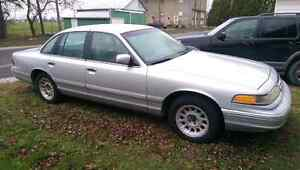 96 Ford Crown Vic REDUCED SERIOUS INQUIRIES ONLY