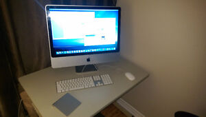 "24"" Apple iMac Desktop w/macOS El Capitan"