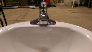 Lavabo avec robinet - Sink with faucet