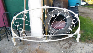 Bed header frame: metal, brass centre piece Belleville Belleville Area image 1