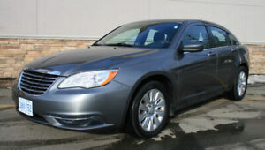 2012 Chrysler 200, one owner with only 60500Km