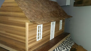 collectable cottage dollhouse