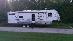 """36 ft """"GLAMP-PER"""" for RENT!"""