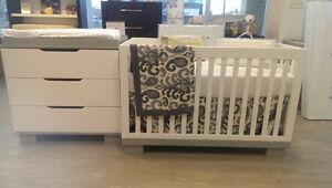 Modern baby crib new in box Kitchener / Waterloo Kitchener Area image 2