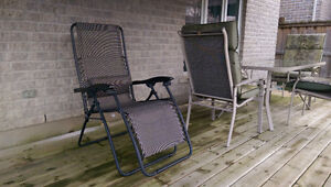 Patio Set - 1 table with 4 chairs, 1 recliner, 2 rotating chairs Kitchener / Waterloo Kitchener Area image 4