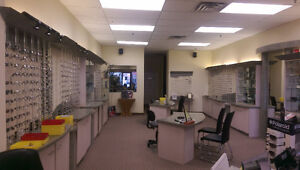USED OPTICAL STORE FIXTURES & DISPLAYS